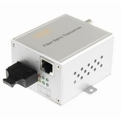 1000Mbps Ethernet LAN fiber optic media converter, 2 fibers, 1310 nm single-mode, 20 dB optical loss budget. 40Km range. Compact module, ST connector, US power plug.