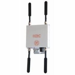 Nœud de MESH2HT de haut débit. Kit double de 5,8 GHz de radio de nœud. Comprend les antennes omnidirectionnelles quatre 5 dBi, alimentation et kit de montage mural extérieur/pôle. Fiche d'alimentation aux États-Unis.