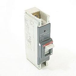 pôle 1, 225 a évalué à 240V AC et DC 125V, voyage point fixé moulé disjoncteur boîtier, avec un dispositif de déclenchement magnétique thermique et 10kA à 240V AC et 5kA au courant nominal de 125V DC interruption