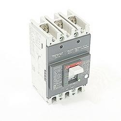pôle 3, 40 a évalué à 240V AC et DC 250V, voyage point fixé moulé disjoncteur boîtier, avec un dispositif de déclenchement magnétique thermique et 10kA à 240V AC et 5kA au courant nominal de 250V DC interruption