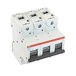3 pole, 40 amps rated at 690 V AC, IEC series high performance circuit breaker with thermal-magnetic trip device, B trip curve, and 50kA interrupt current rating