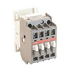 pôle 3, 27 amp, irréversible sur le contacteur de ligne avec bobine AC 24V et 1 contact auxiliaire NF