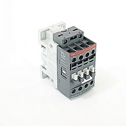 3 pole, 30 amp, non-reversing across the line contactor with 12-20V DC coil and 1 NO auxiliary contacts