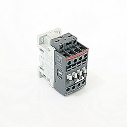 3 pole, 28 amp, non-reversing across the line contactor with 24-60V AC and 20-60V DC coil with 1 NC auxiliary contacts
