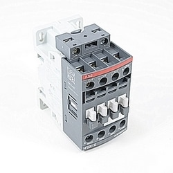 4 pole, NF control relay with control voltage range of 48-130V AC/DC and 2 NO and 2 NC standard auxiliary contacts