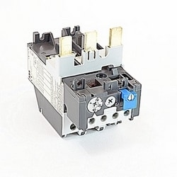 3 pole thermal overload relay with 30-80 amp setting range