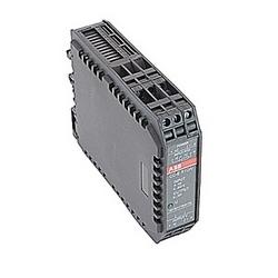 Convertisseur de signal de température avec la tension d'alimentation 24 V DC, un signal d'entrée PT100 à 0 - 300 degrés celcius et un signal de sortie de 0-10 volts