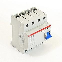 4 pôles, 100 ampères évalués à 480 V AC, UL 1053 interrupteurs différentiels équipement, un type, 30mA voyage pénétrants, retard de déclenchement