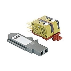 Auxiliary contact 1 Form C + 1BA for use on T7 400V AC/250V DC molded case circuit breakers