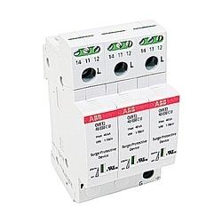 Trois pôles OVR DIN rail protection parasurtension avec une capacité de pointe de 40 kA et tension maximale de 320V