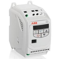 Fréquence Variable Micro Drive, monophasé entrée, 120 V AC, 0,5 HP, NEMA 0 (IP20), montage sur panneau, E1 FRAME