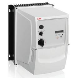 Fréquence Variable Micro Drive, entrée de Phase trois, 600 V AC, 5 HP, NEMA 4 X (IP66), mural, P2 FRAME