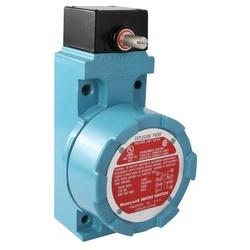 Antidéflagrant de course Non plug-in : Version de basse température; Rotary de côté; 2NC 2NO DPDT Snap Action; 0,75 po - 14NPT Conduit