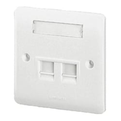 Faceplate, 1 Tracjack Rear Load Synergy, For British Standard Flush box