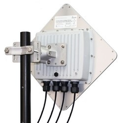 Wireless Ethernet Subscriber Unit, Outdoor, 5.8 Gigahertz, 300 Mbps, 3-Port, With Radio, Heavy Duty Pole Mount Bracket, PoE Injector, 56 Volt DC 100 Watt Power Supply