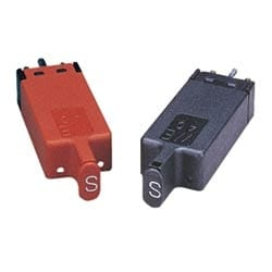 Protector module 5 pin color black gas with heat coil 425V comcode: 104401856