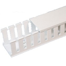 "Slotted Duct, Halogen Free,1""X4""X6',White"