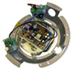 Adaptateur avec radiateur ventilé dans 100-240 V AC et appareil d'alimentation à 24 V DC, 1,5A Max.