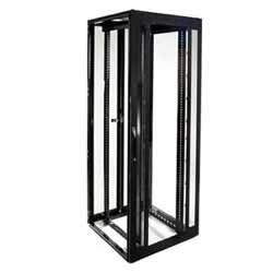 Cabinet réseau baie 42U 800 mm (32 po) de largeur x 800 mm (32 po) de profondeur, cadre en acier avec fenêtre d'affichage partiellement perforée à l'avant, sectionné et perforé à l'arrière