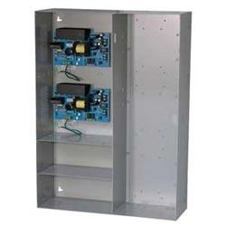 """Chargeurs/alimentation de puissance 2 - uns sont sélectionnables pour 12 V DC ou 24 V DC @ 6 ampères, puissance limitée sorties, AC & surveillance, boîtier des piles. 26"""" H x 19"""" W x 6,25 «D accueille des modules pour la distribution d'énergie & contrôle"""