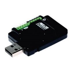 Accessoire alarme de USB pour être utilisé avec Sarix et caméras HD de spectres. Alarmes de 4, 2 auxiliaires. Inclut des adaptateurs pour câble USB